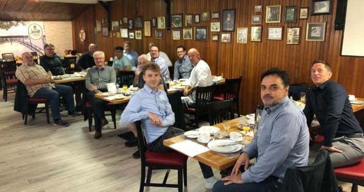 Treffen der Empfehlenswerten Unternehmer im Gasthaus Schulz
